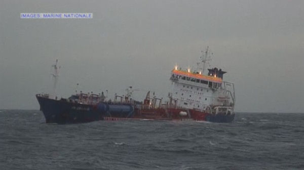 Chemical tanker and cargo vessel collide in Channel – Channel 4 News
