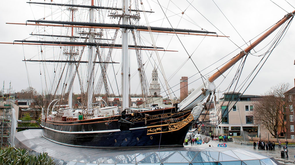 Queen Unveils Restored Cutty Sark Five Years After Fire