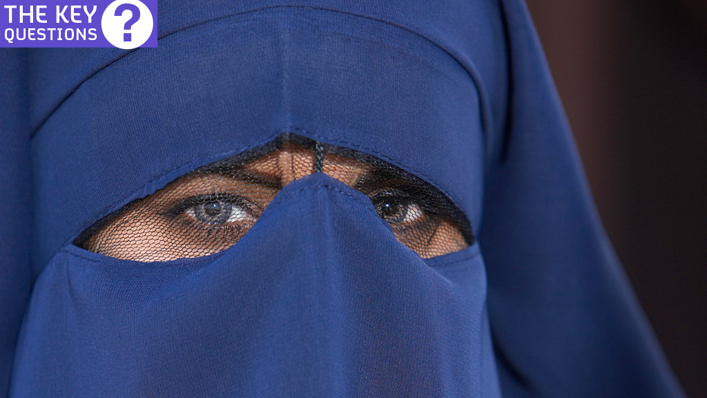 From Hijab To Burqa A Guide To Muslim Headwear Channel 4 News