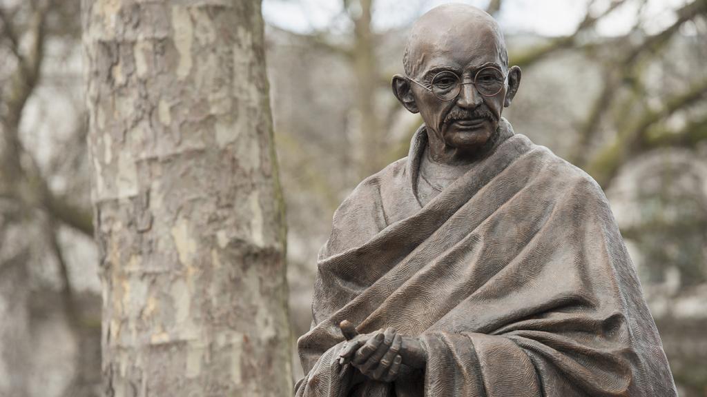 the life history of mahatma gandhi