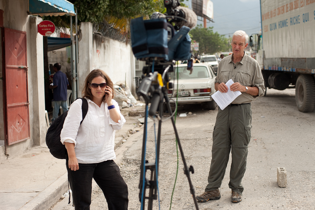 Sarah Corp and Jon Snow covering the Haiti earthquake in 2010.