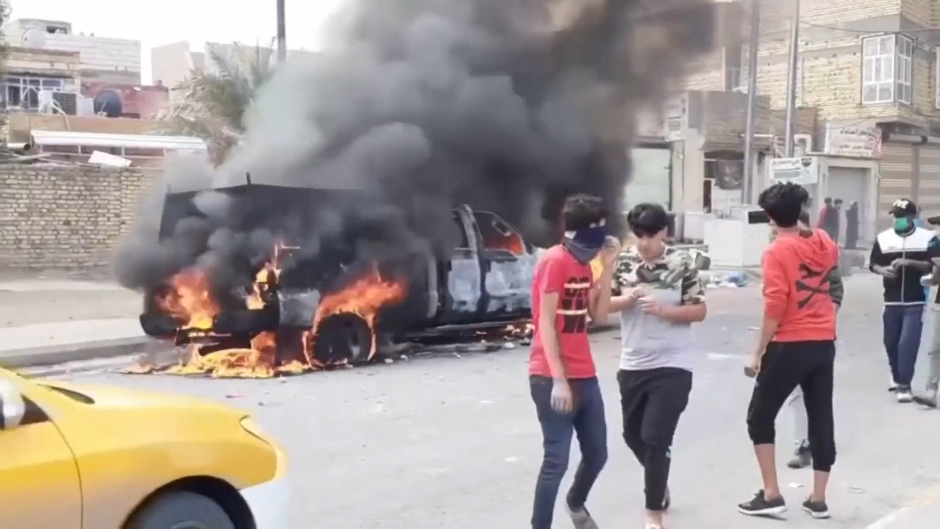 Iraq PM to resign after hundreds killed in protests – Channel 4 News