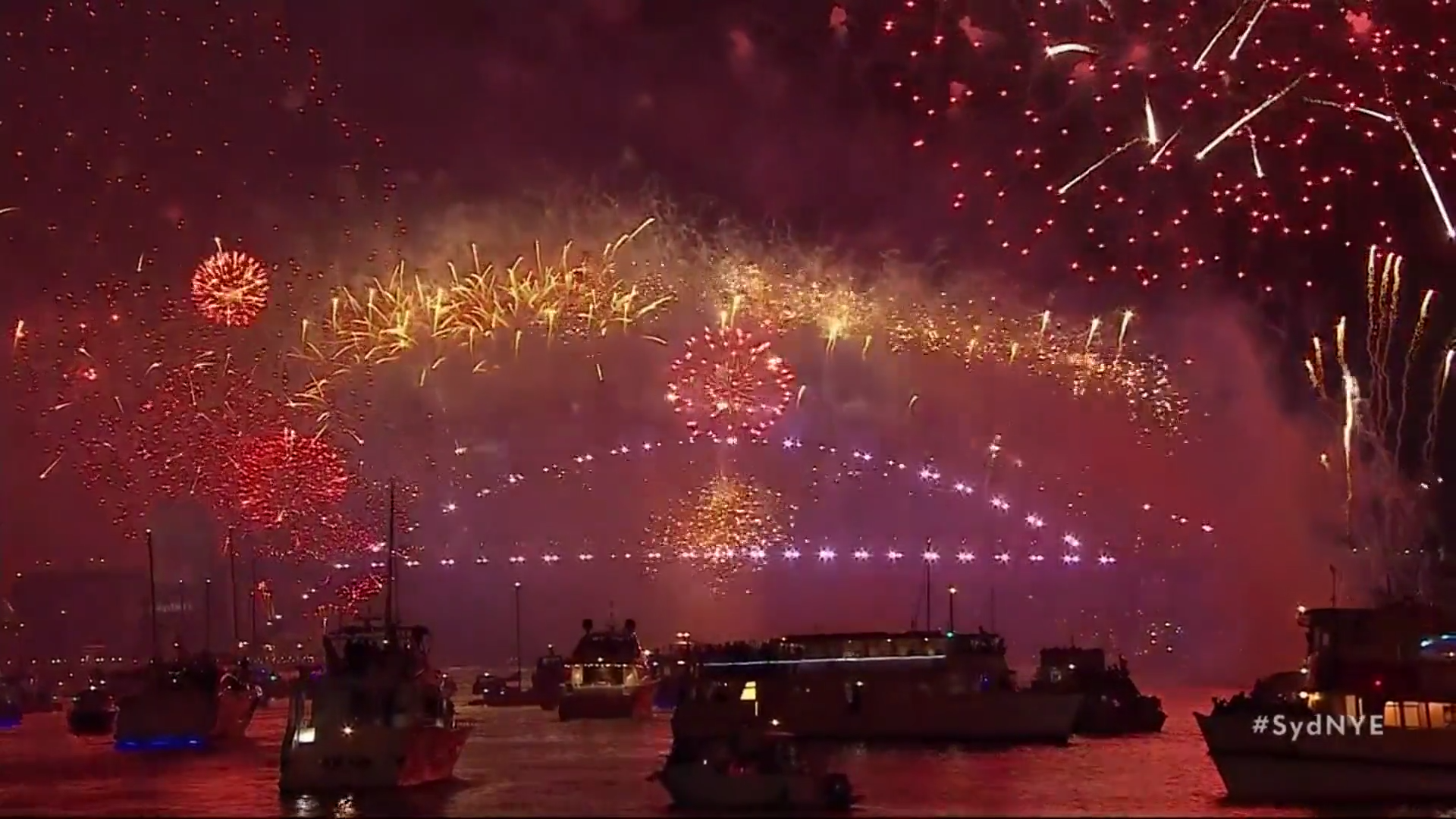 XjtSttCQQvn image 1920x1080 - Sydney NYE fireworks to go ahead despite calls to spend money on fighting wildfires – Channel 4 News