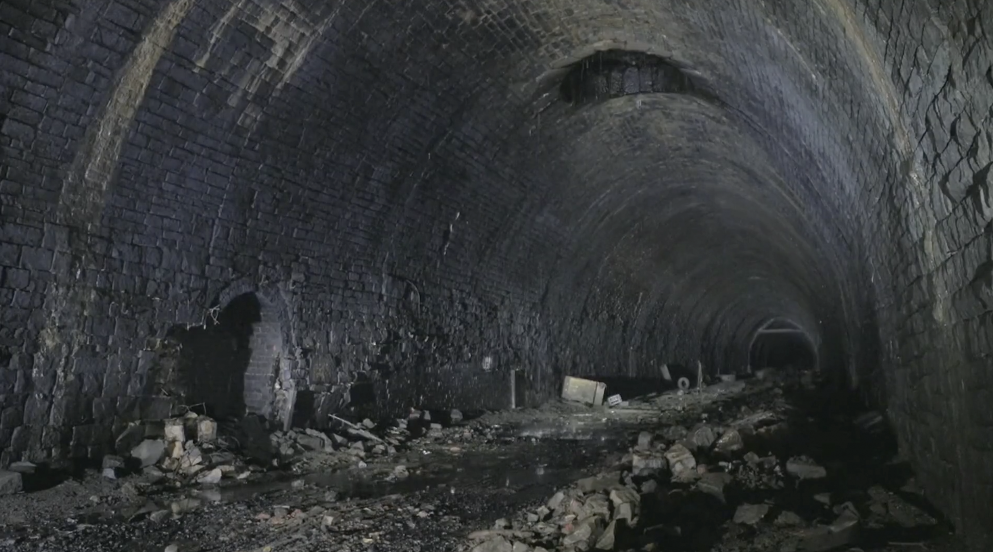 Campaigners seek to turn disused Victorian tunnel in Yorkshire into cycleway