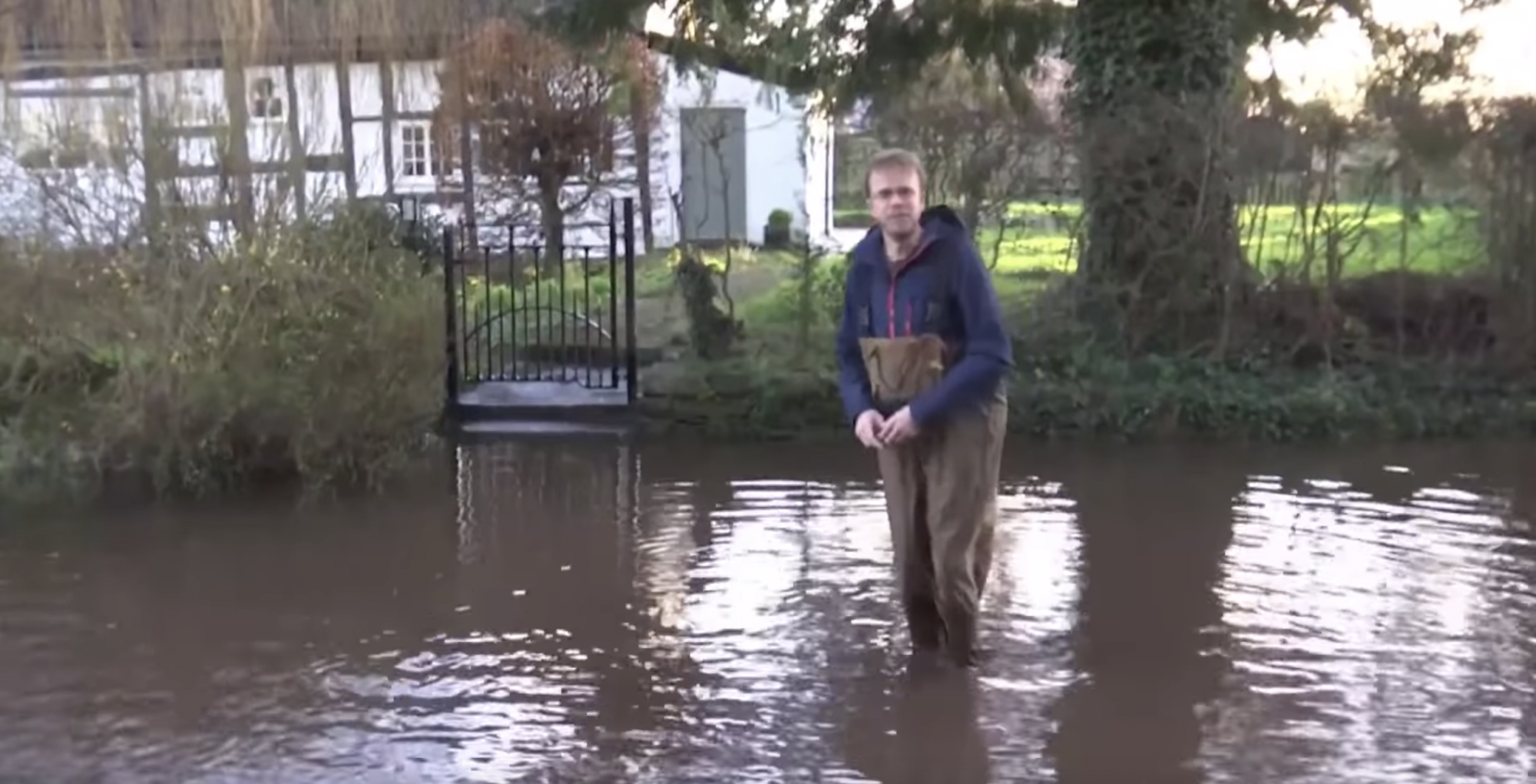 Storm Dennis: threat of further flooding on English-Welsh border