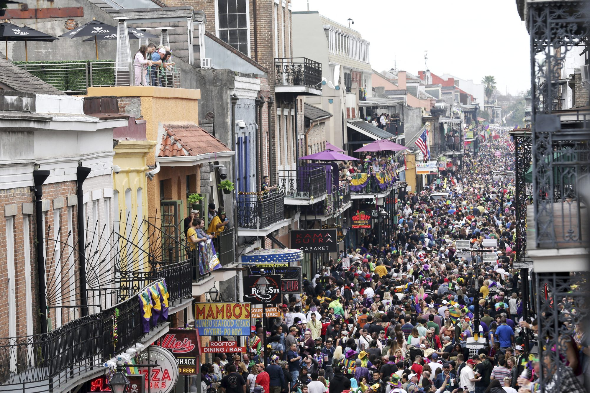 New Orleans takes on Coronavirus battle 15 years after hurricane - channel 4