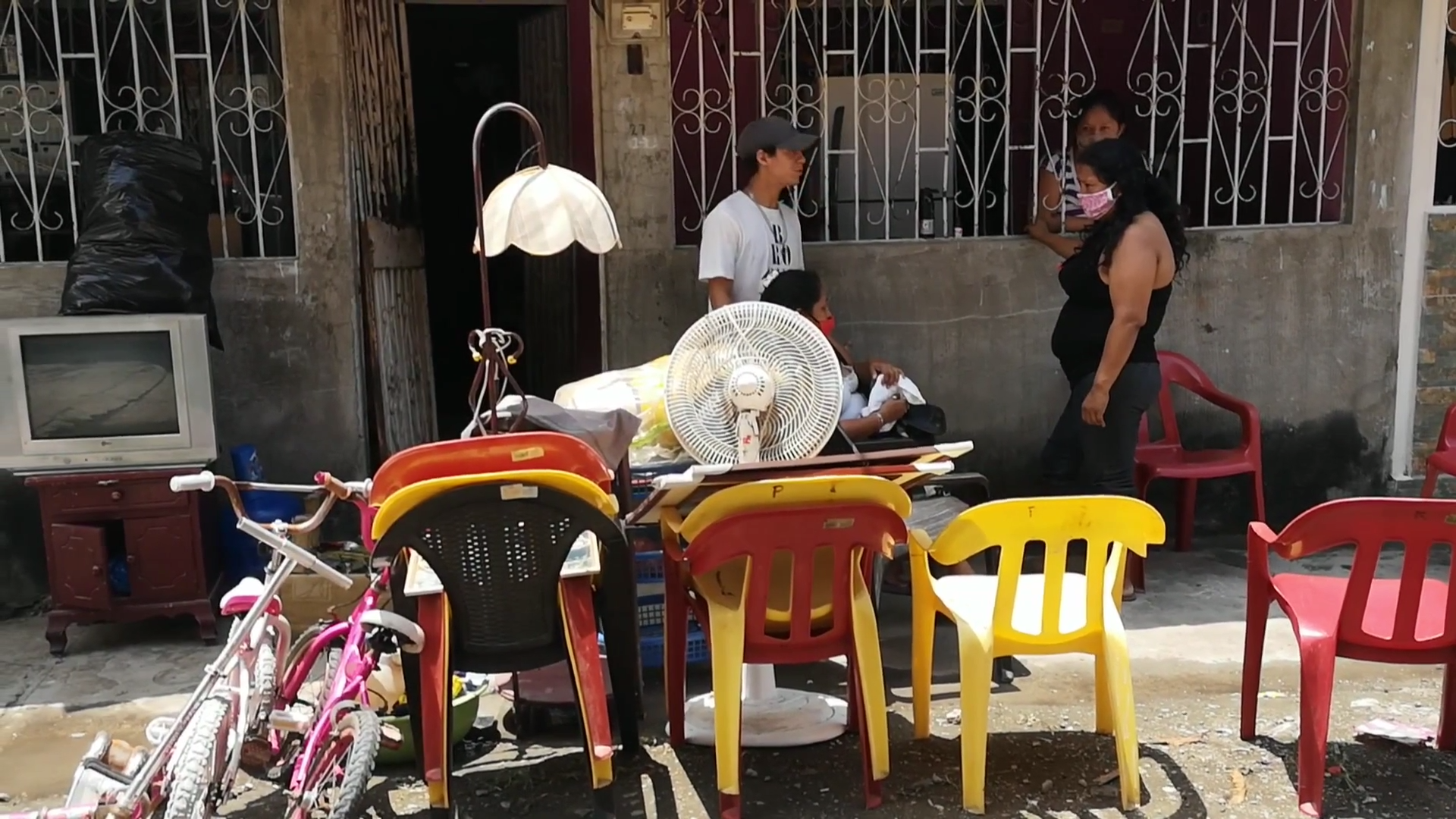 Bodies left in streets of Guayaquil as Ecuador struggles with coronavirus - channel 4