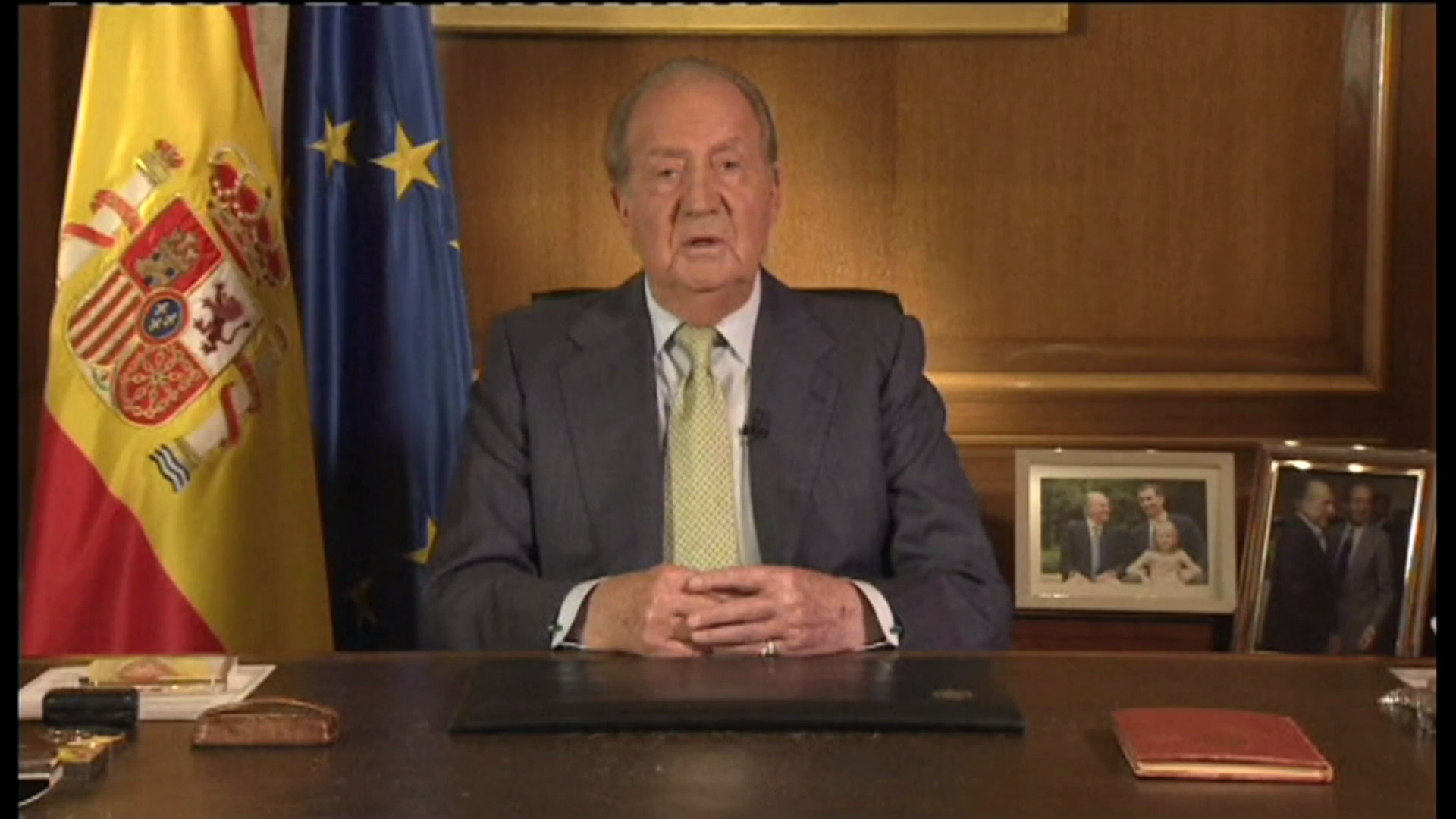 Former King of Spain Juan Carlos leaves country amid scandals - channel 4