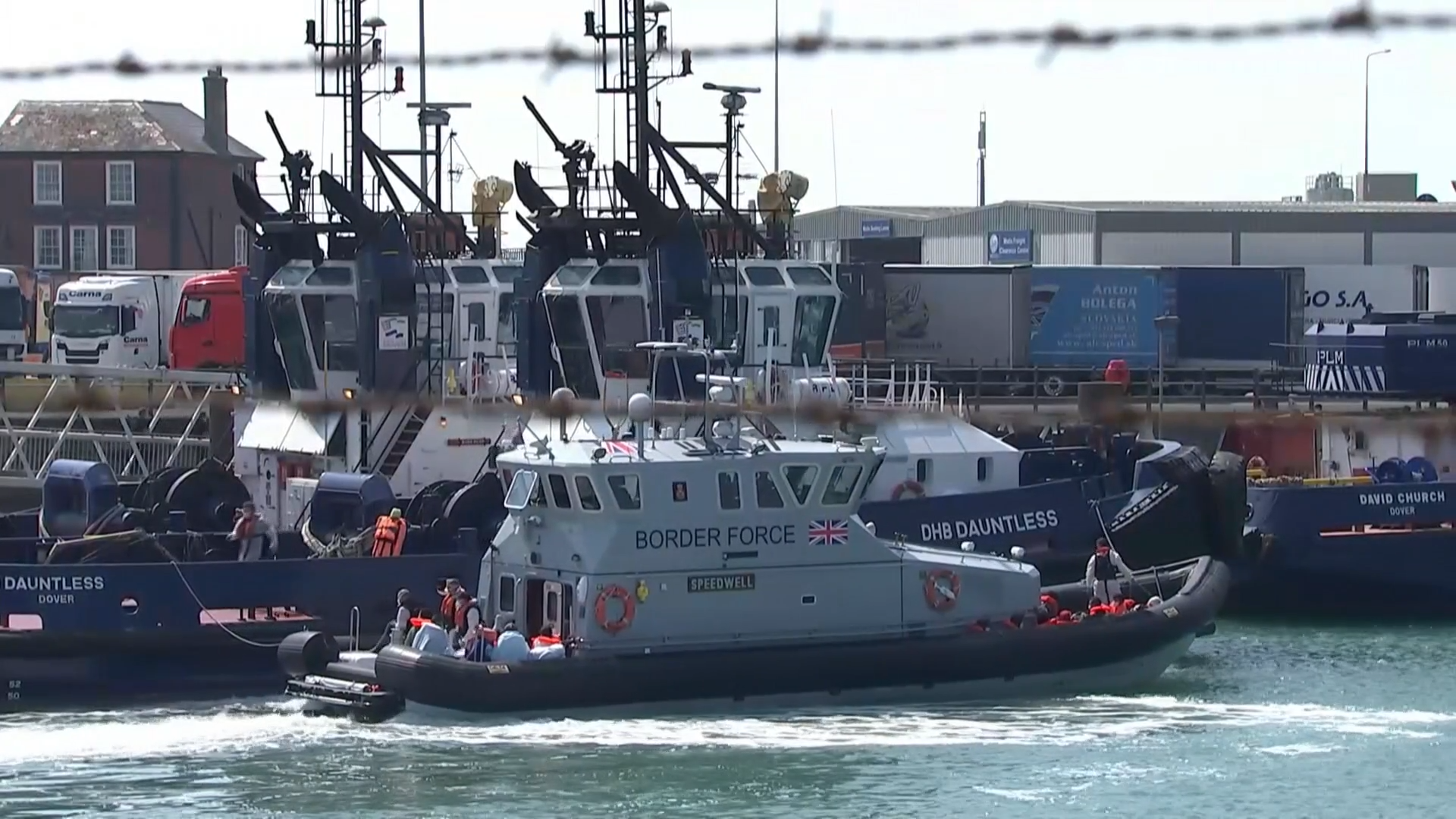 Lawyers warn plans to use navy to tackle migrant crossings could be unlawful - channel 4