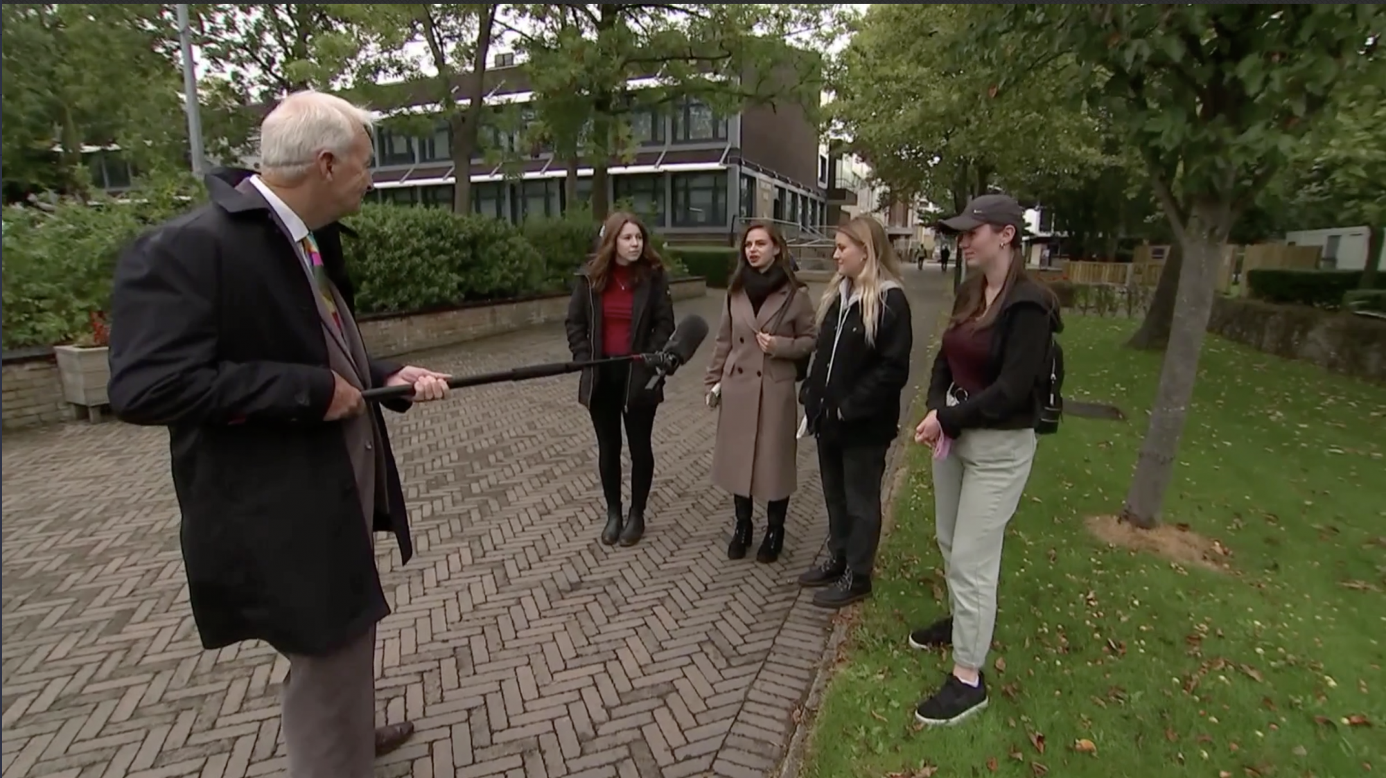 Jon Snow goes back to Liverpool University - channel 4