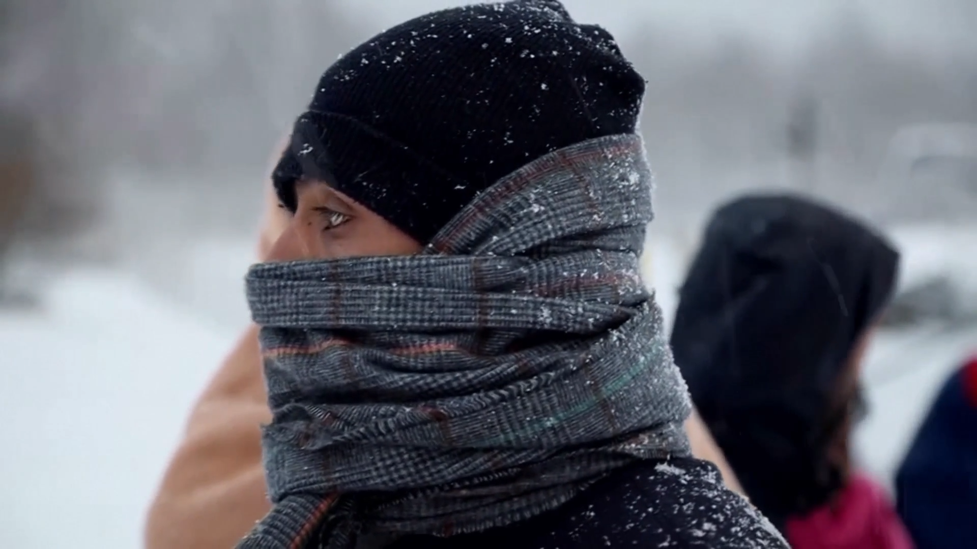 Migrants stranded outside in freezing weather in Bosnia
