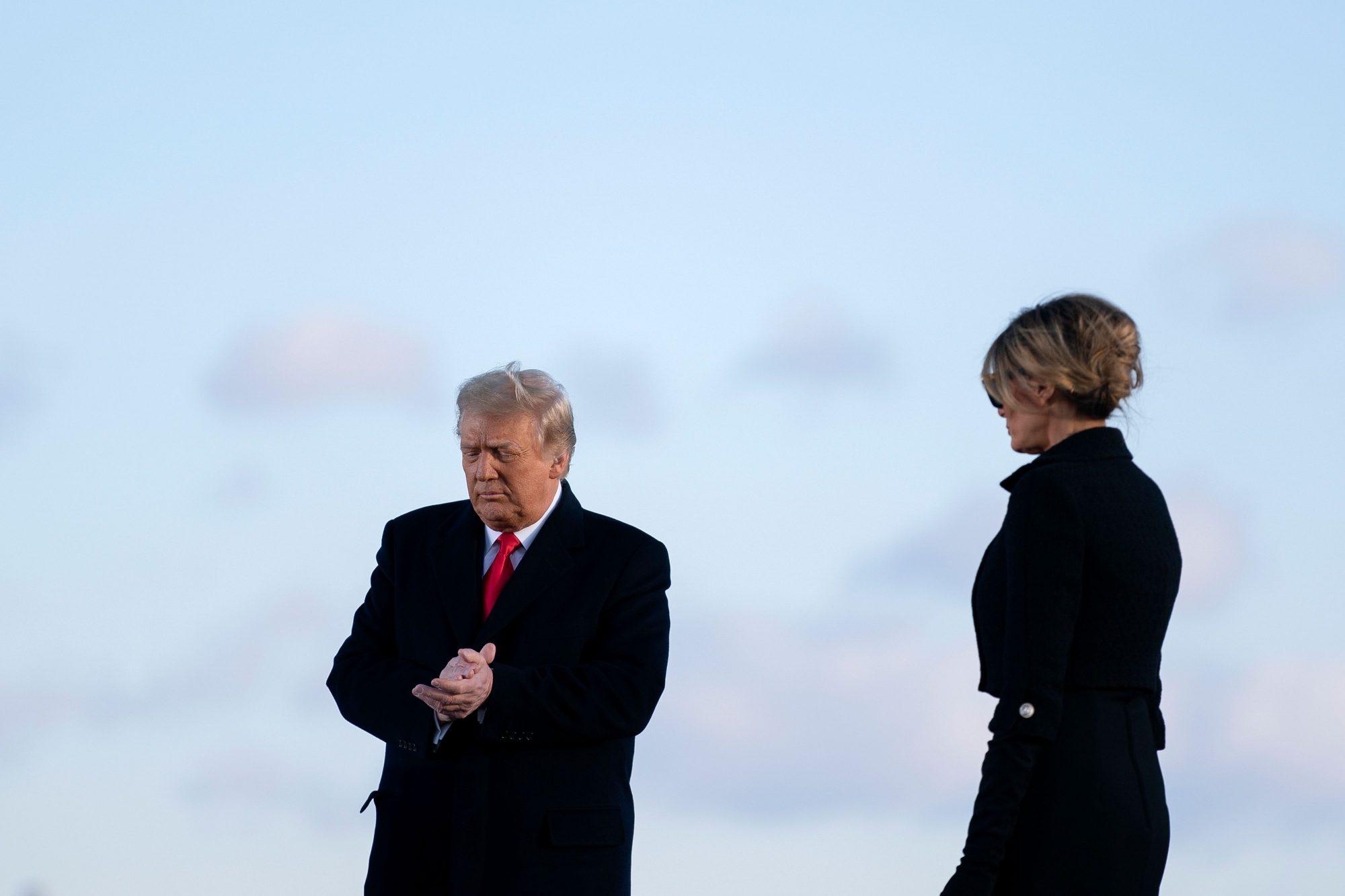 House sends Trump impeachment article to Senate - channel 4