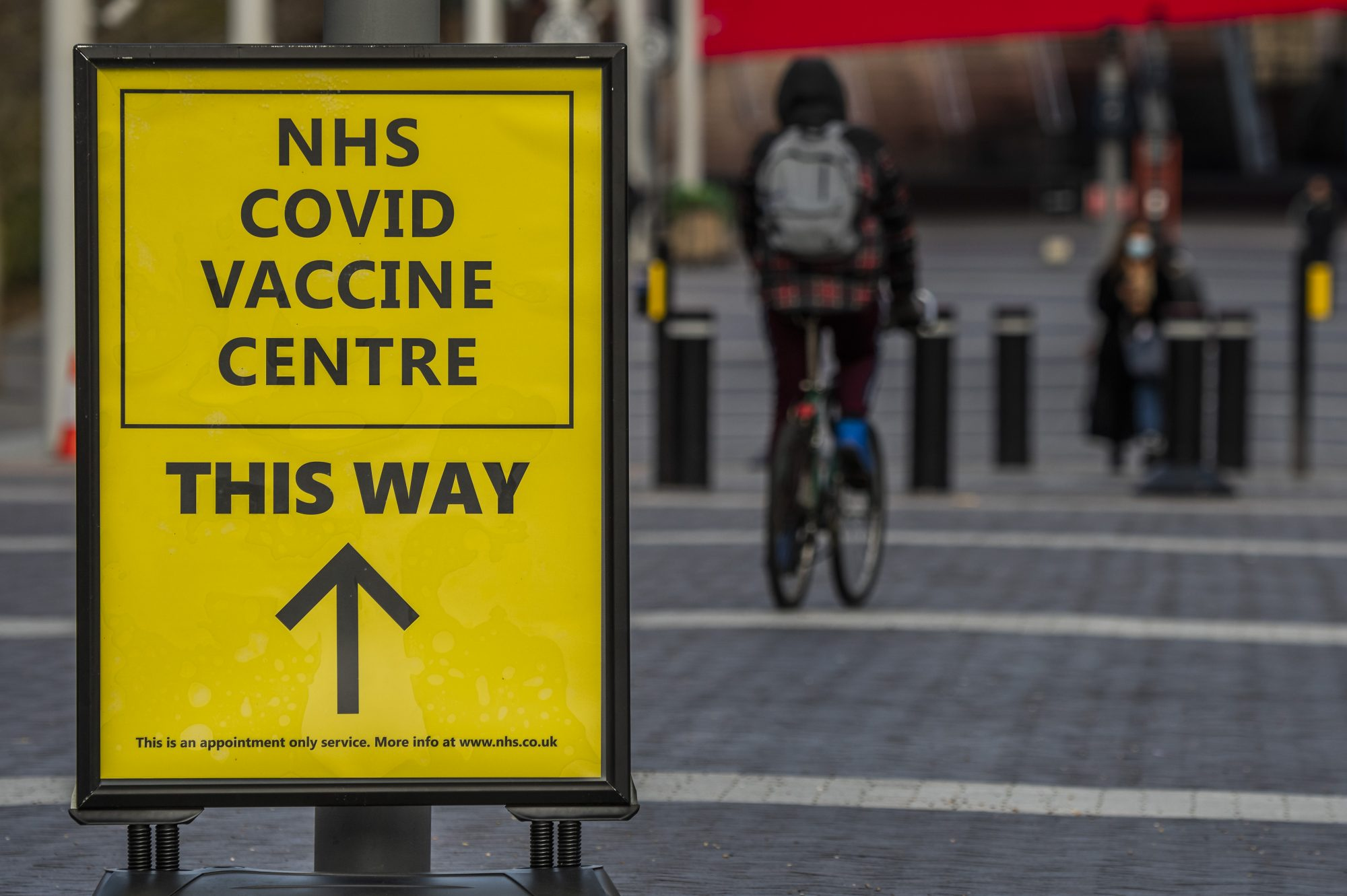 Government under pressure to cut vaccine gap amid concern over new variants - channel 4