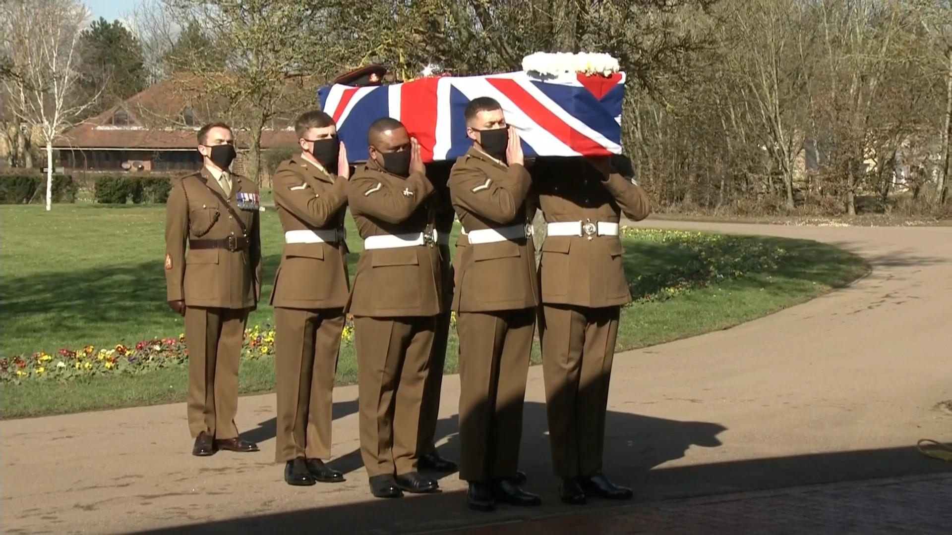 Tributes paid by family to Captain Sir Tom Moore at funeral service - channel 4