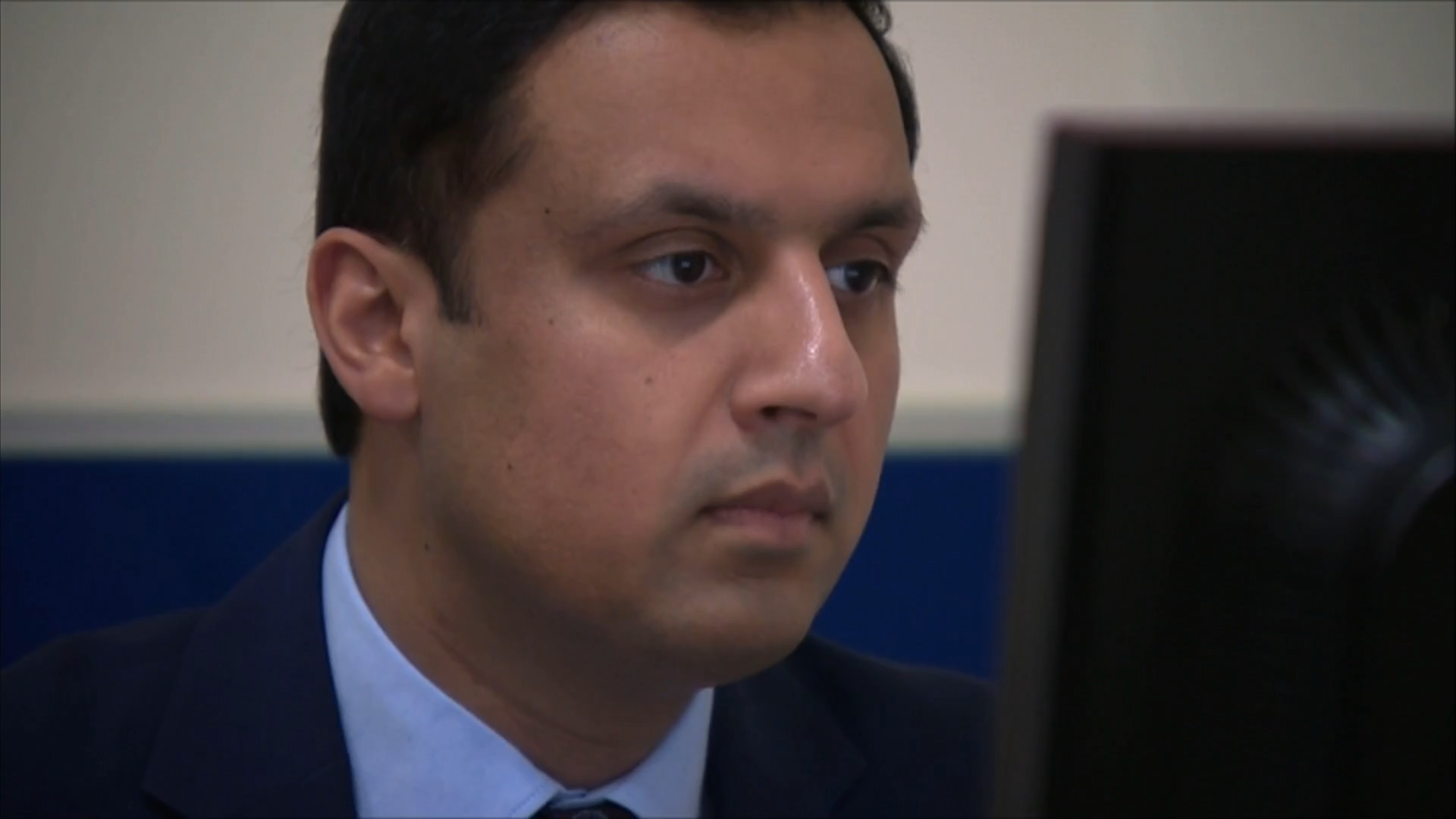 Anas Sarwar wins Scottish Labour leadership race - channel 4