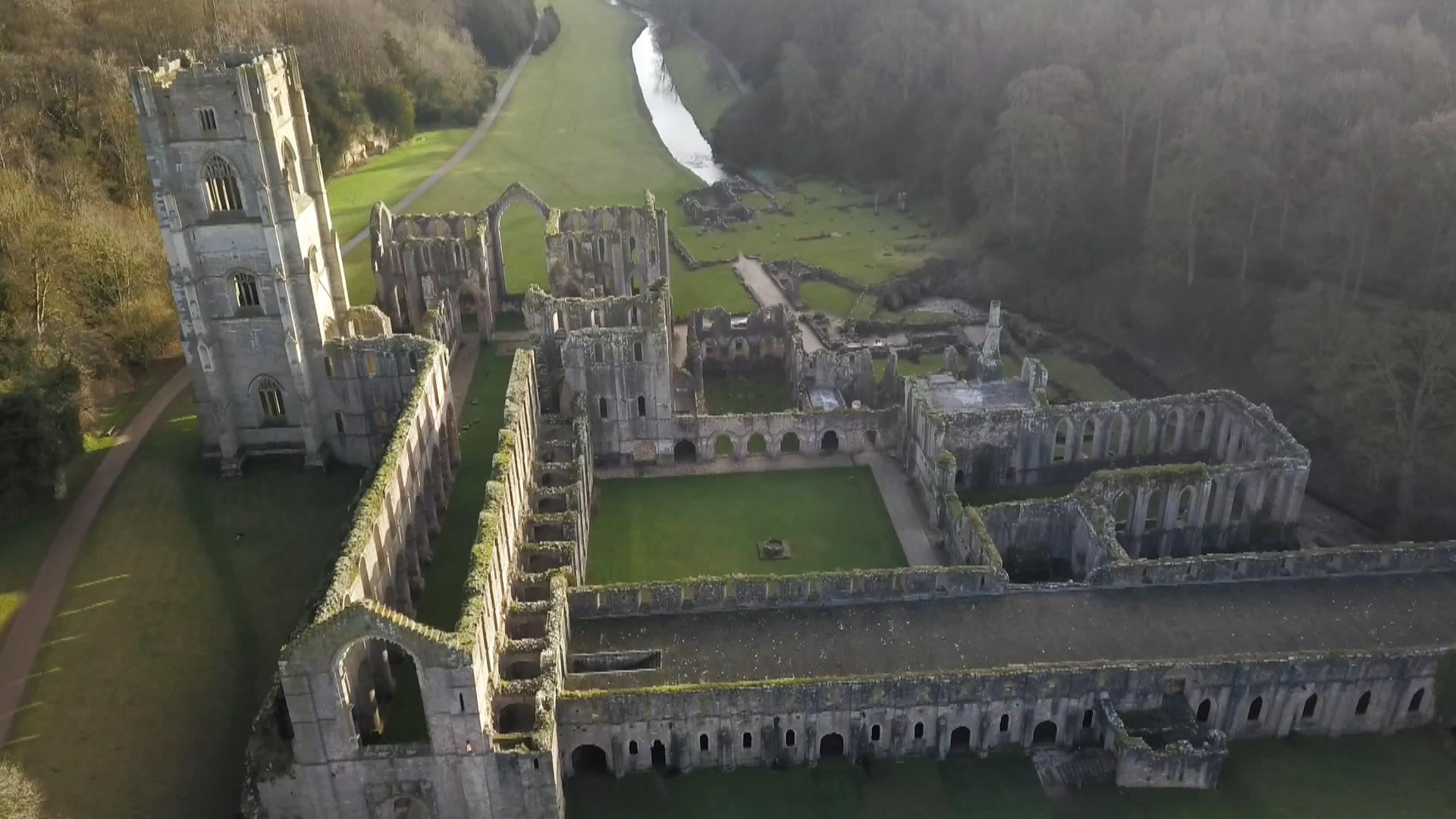 National Trust says heritage sites at risk from climate change - channel 4