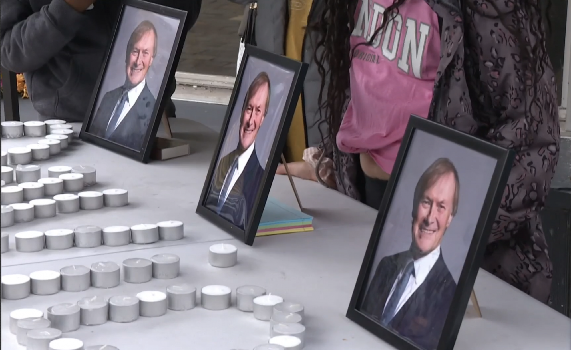 Political leaders pay tribute to Sir David Amess - channel 4