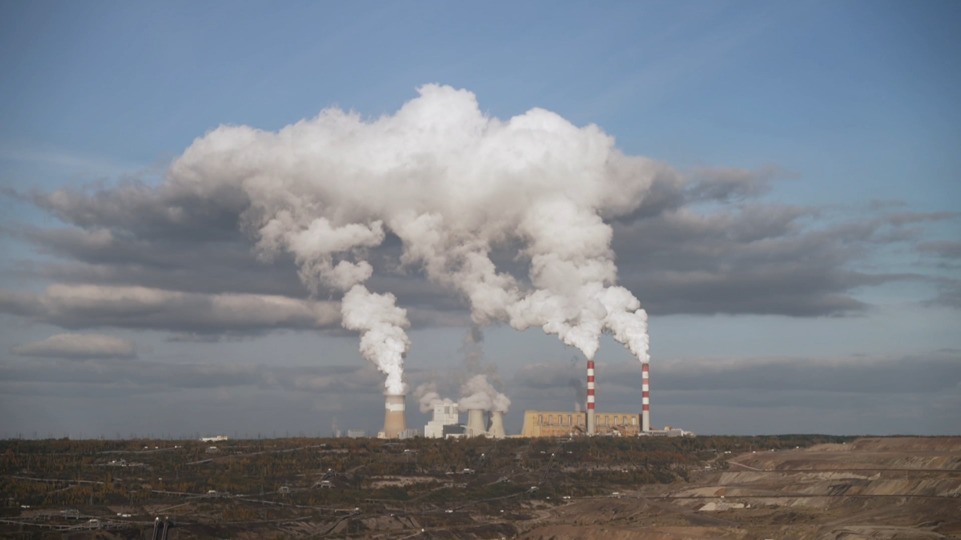 The race to phase out Europe's biggest coal-fired power plant - channel 4